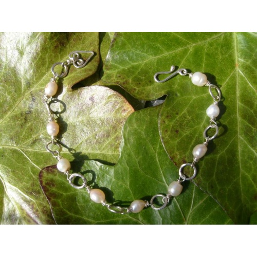 Handmade silver and pearl bracelet